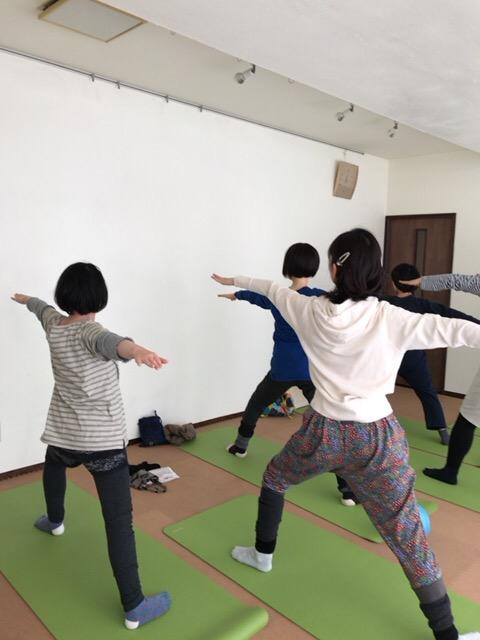 【札幌円山スタジオアウラ】朝ヨガフロー